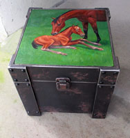 Metal Trunk Table